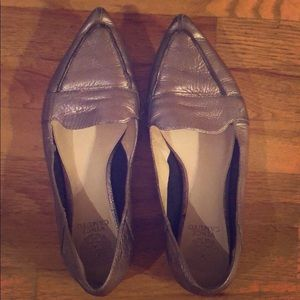 Vince Camuto rose gold flats